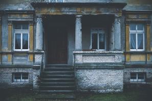 creepy home