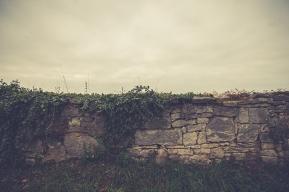 uralte Friedhofsmauer
